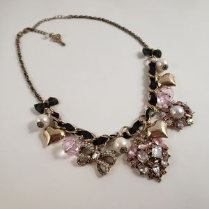 Absolutely gorgeous Betsey Johnson Vintage Necklac